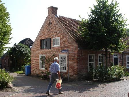 Das Dorf Grimersum - Haus gegenüber Huus Grymersum